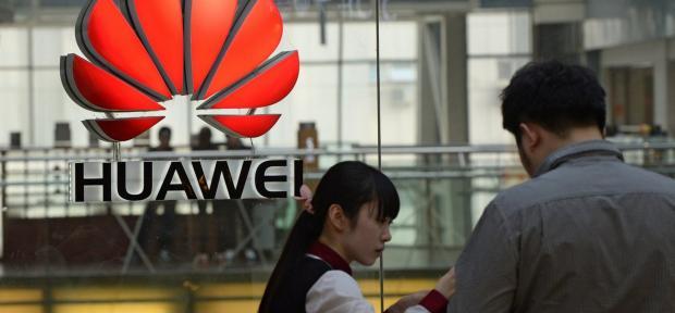 هواوي تحتل المرتبة الثالثة في صناعة الهواتف الذكية بفضل الحماس المفرط الذي يبديه موظفيها !