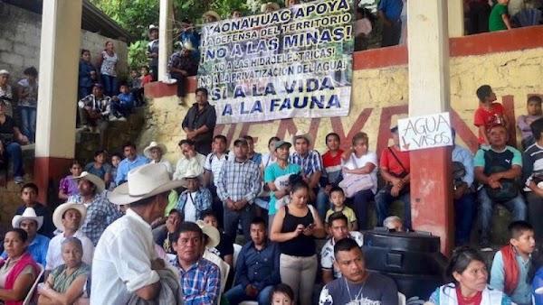 Nahuas y Totonacos se unen contra mineras que quieren arrebatarles su territorio.