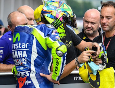 Rossi Minta Bantuan 4 Pembalap via WhatsApp untuk Keroyok Marquez
