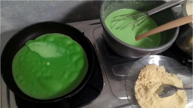 Resep Cara Membuat Kue Dadar Gulung Kuah Santan