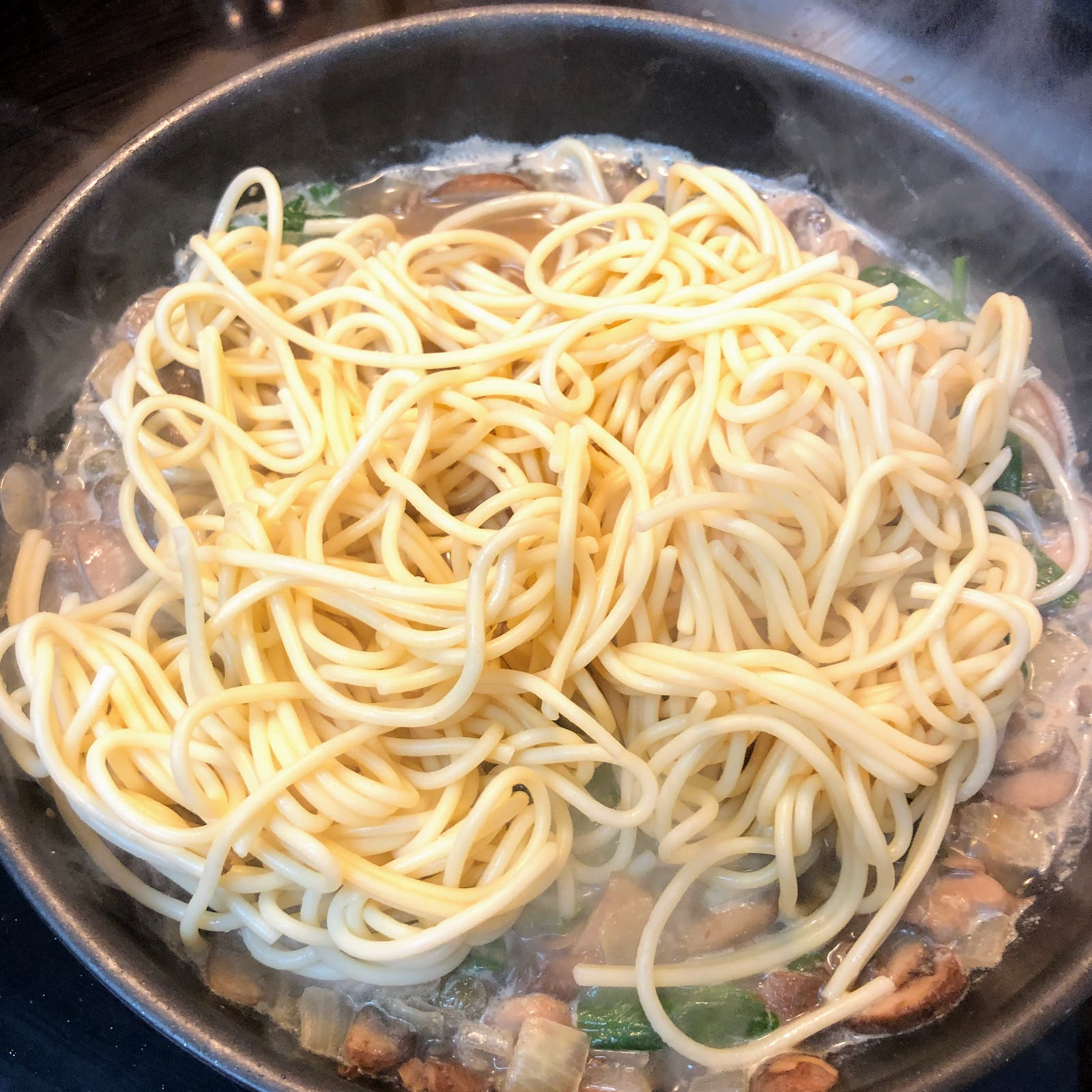 Mushroom Piccata Pasta, Pasta Dish, Vegetarian Dish, Easy vegetarian pasta, Pasta Piccata,