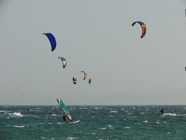 Kitesurfing y windsurfing en Tarifa