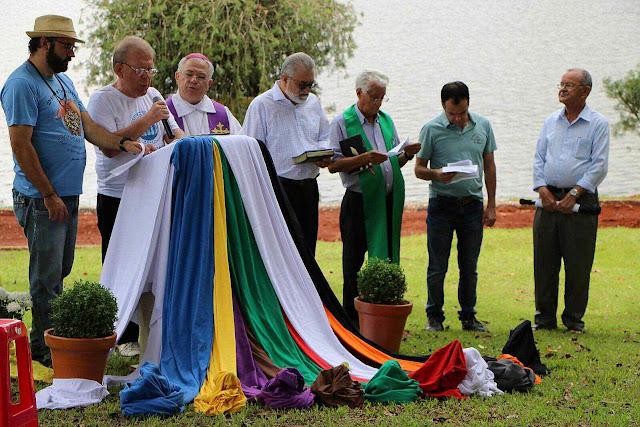 Lançamento na diocese de Apucarana da Campanha ecumênica da Fraternidade 2016 sobre o uso da água com as cores LGBT