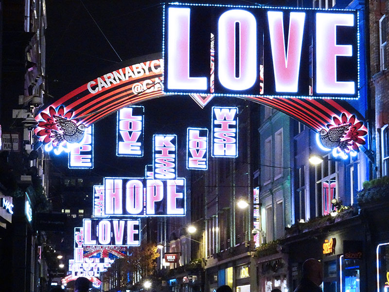 London_Gorgeous_Christmas_Lights_Photographs_Carnaby_Street