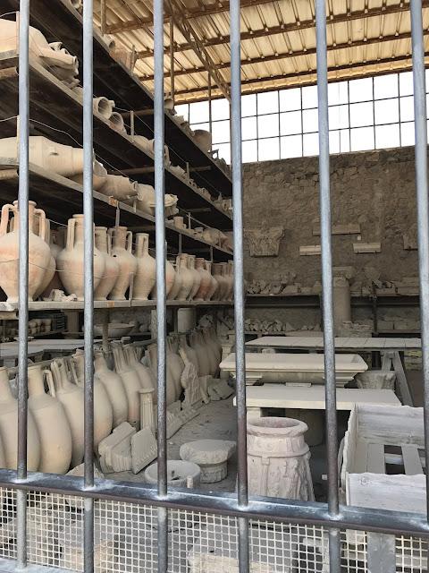 Pompeii historical pots
