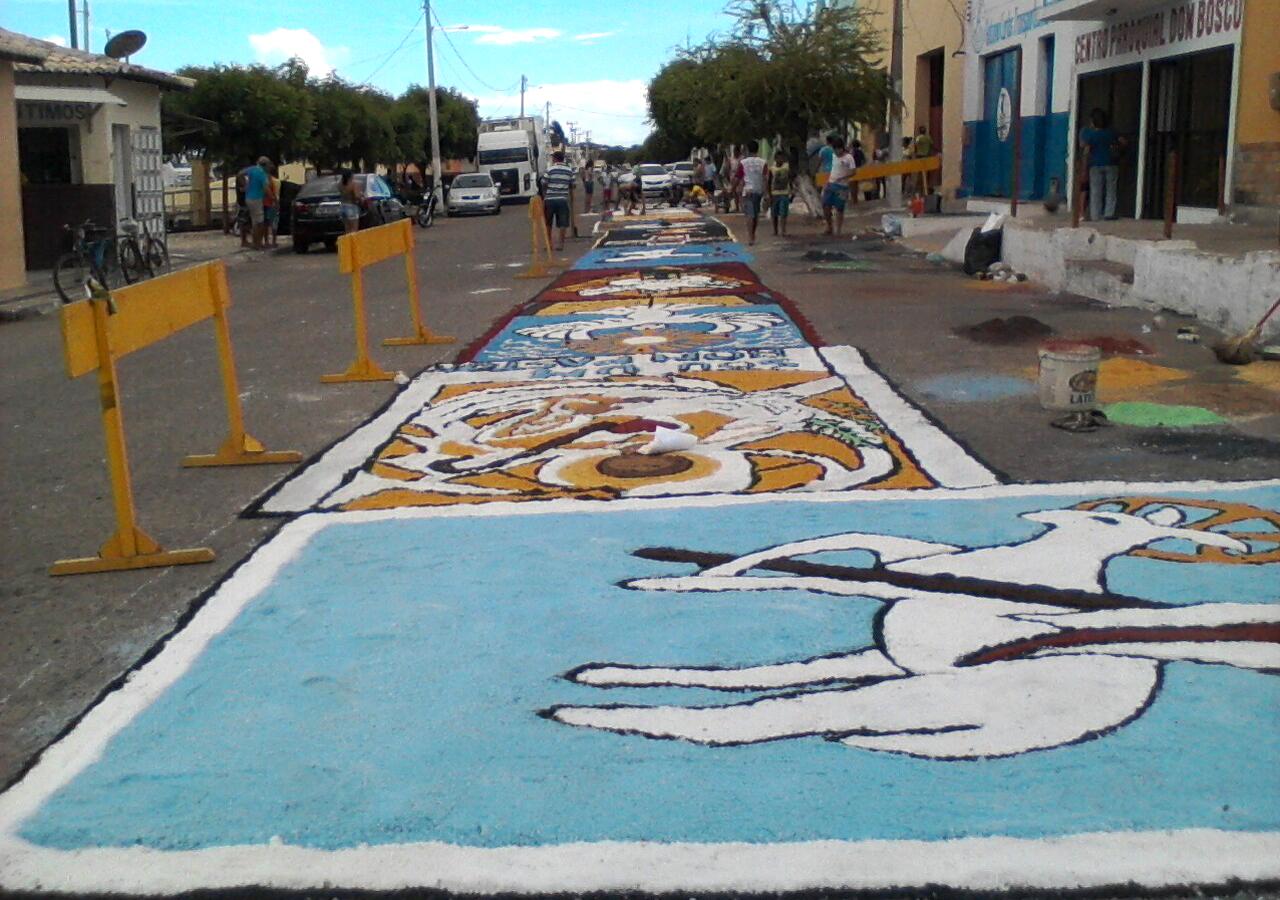 Areia Branca Mantem Tradicao De Colorir A Rua Do Cais Com Tapetes