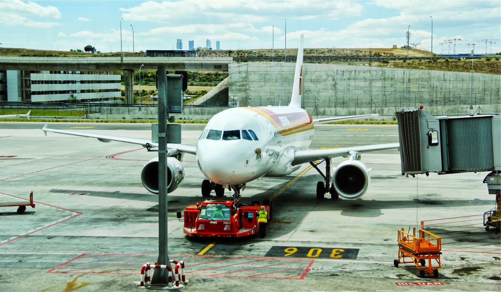 Life of a Geek: How to Become an Air Traffic Controller in