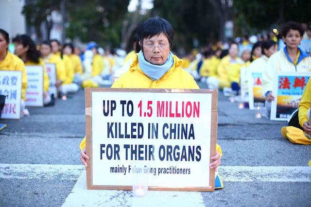 Protesto em San Francisco diante do consulado chinês pelas chacinas visando os órgãos das vítimas