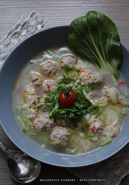 dania z kapustą pak choi, przepis na prostą zupę, jak zrobić zupę z kapustą pak choi, daylicooking