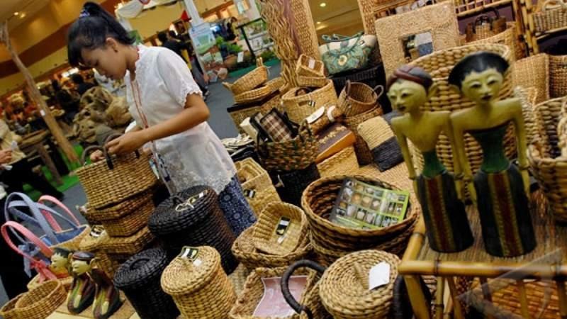 Menyadari WebeMall bukan pasar pertama di indonesia yang menjual produk  kerajinan dari pelaku UKM 62820b12f6