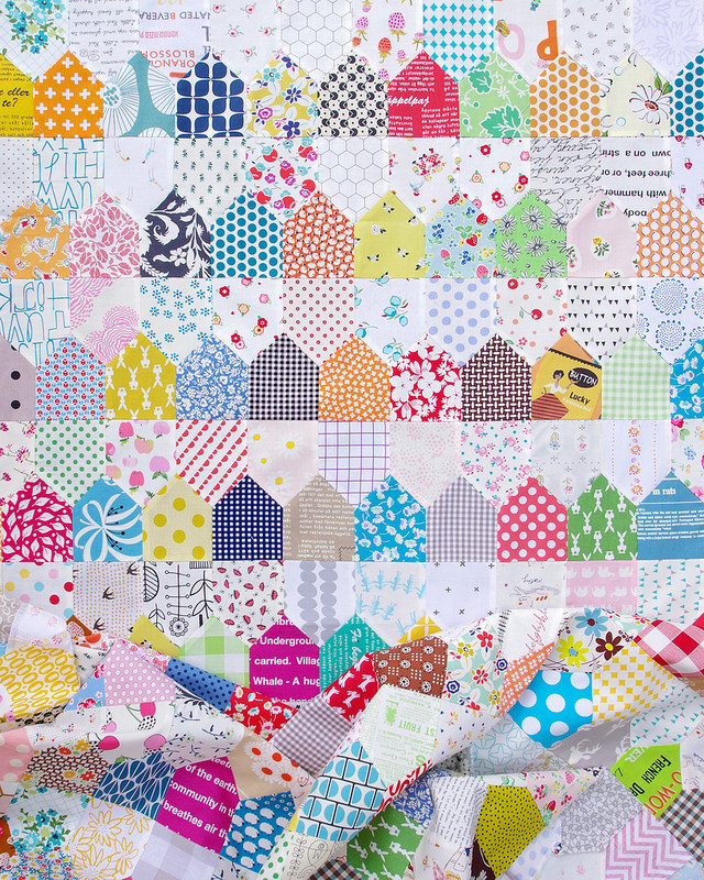 One Patch Quilt - Row Houses | © Red Pepper Quilts 2018 #onepatchquilt #scrapquilt #patchworkquilt