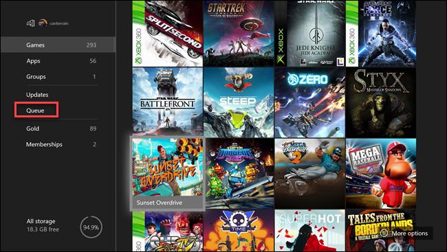 Xbox قائمة ألعاب وتطبيقات مع مربع حول خيار قائمة الانتظار.