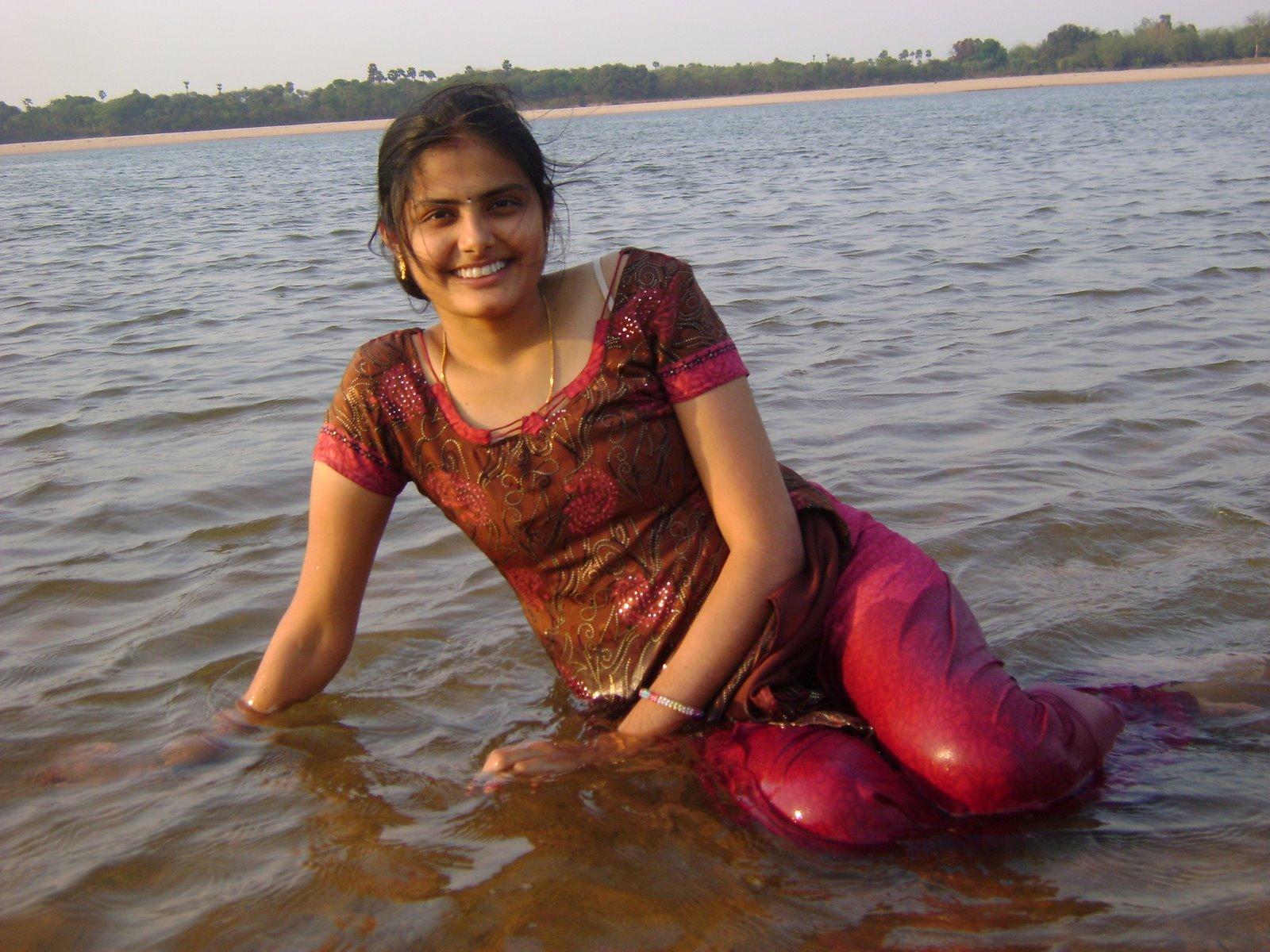 Bathing hot mallu girls