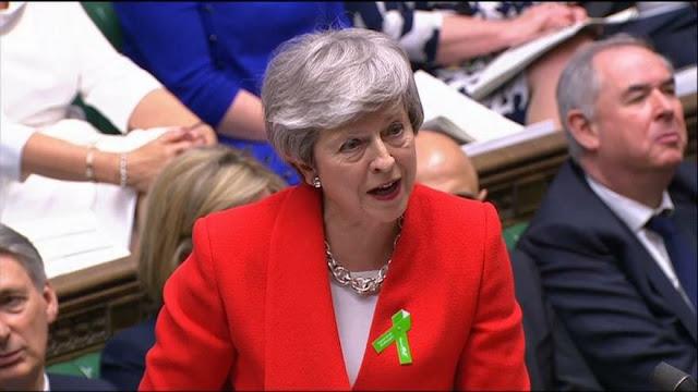 """May promete un """"mejorado paquete"""" para sellar acuerdo de Brexit"""