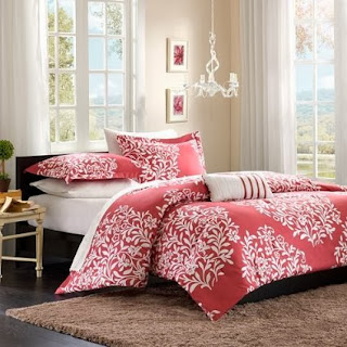 Folklore Raspberry Big Print Comforter Set Size: Full/Queen