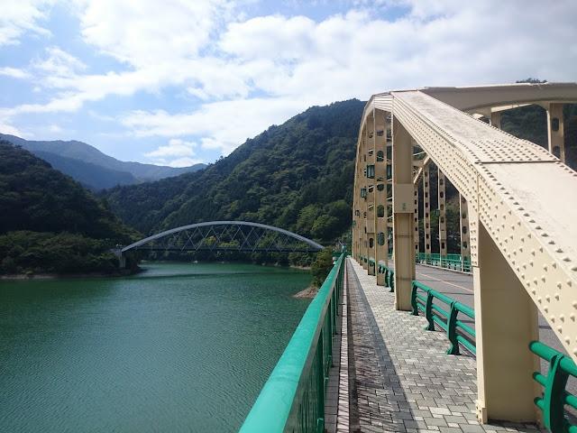 奥多摩湖 深山橋 三頭橋