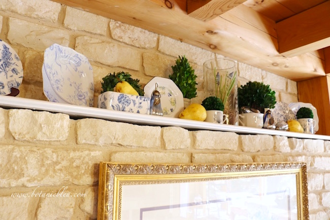 french-country-decorating-blue-yellow-colors
