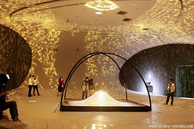 MG 0162 - 台中國家歌劇院│天圓地方,金黃光影美得讓人屏息!首次於台灣亮相的作品現在免費看!