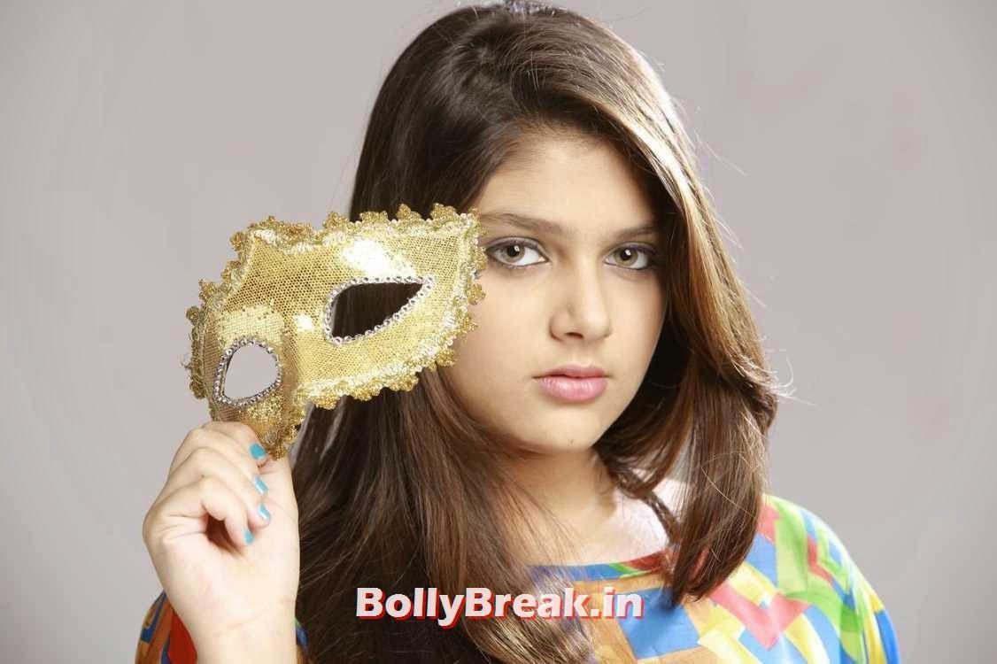 , Ishita HD Wallpapers from Nee Naan Nizhal Movie