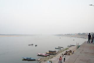Gaht di tepian sungai Gangga