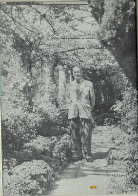 Maugham at garden