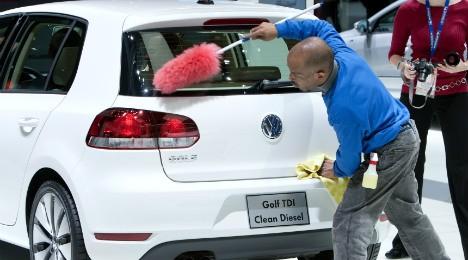 vw%2Bkatharisei Έρευνα και στην Ελλάδα για το σκάνδαλο ρύπων της Volkswagen! Audi, Volkswagen, VW, zblog, σκάνδαλο