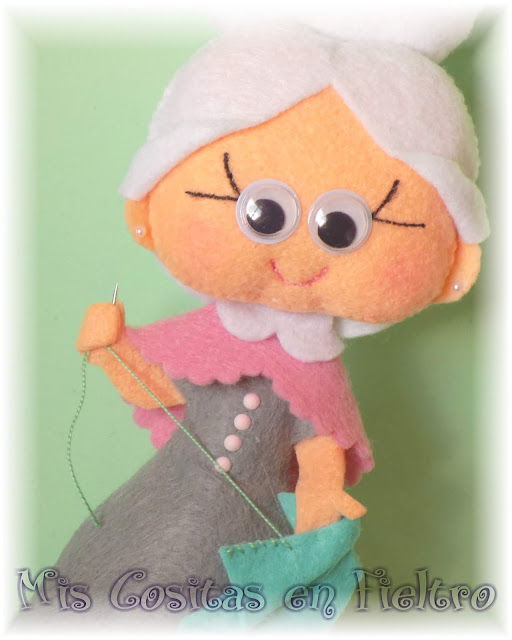 fieltro, muñeca de fieltro, abuela de fieltro, abuela en fieltro, decoración