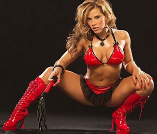 Mickie James Nude Leg Show 105