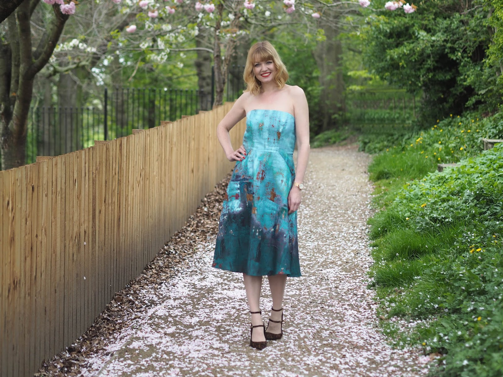 Perfect strapless dress for a spring summer wedding by Alie Street, over 40 fashion, with leopard print shoes