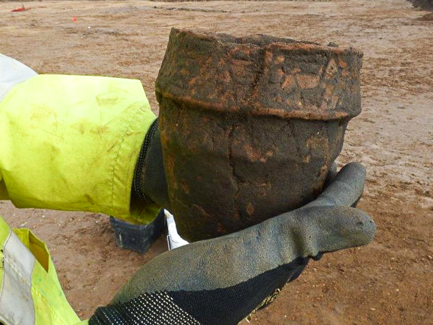 Bronze Age and Roman pottery found near Cambridge during A14 upgrade