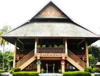 Keunikan-Rumah-Adat-Panggung-Bubungan-Lima-Provinsi-Bengkulu