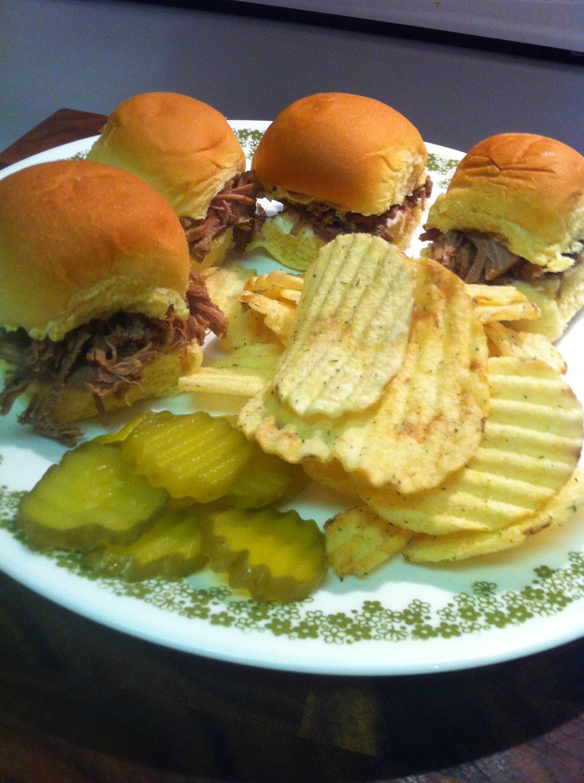 37 Cooks: Shredded Beef Sliders