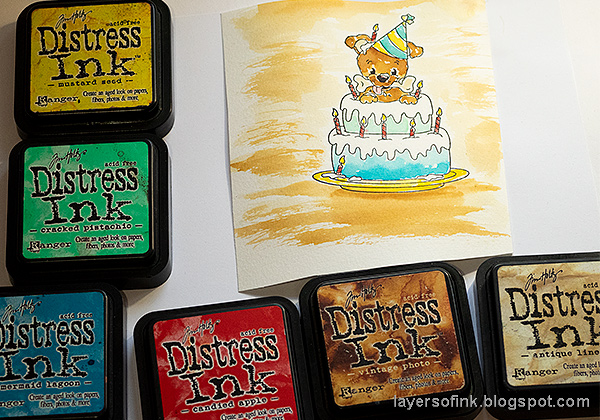 Layers of ink - Birthday Cake Card Tutorial by Anna-Karin Evaldsson. Paint with Distress Ink.