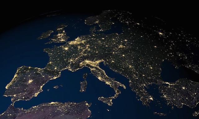 صور مذهلة للأرض التقطت ليلاً من الفضاء الخارجي بواسطة وكالة الفضاء الأمريكية ناسا 4