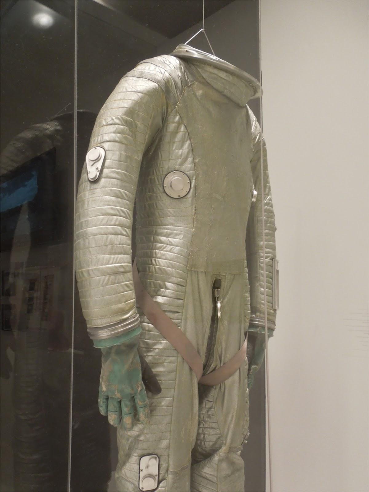 2001 space suit - photo #31