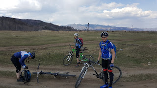 Велосипедисты в Гужирах