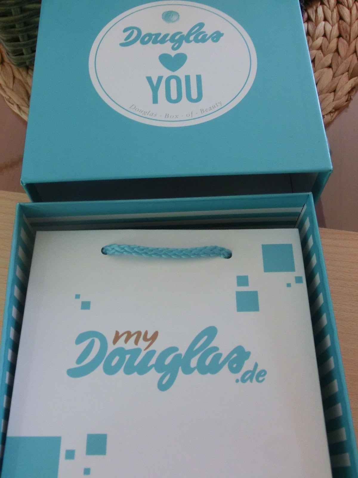 ae67e98b5 elassunnyside: Douglas Box of Beauty Juni