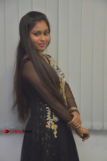 Tamil Actress Shreya Sri Stills in Black Akarkali Dress at Vanga Vanga Team Interview  0012.jpg