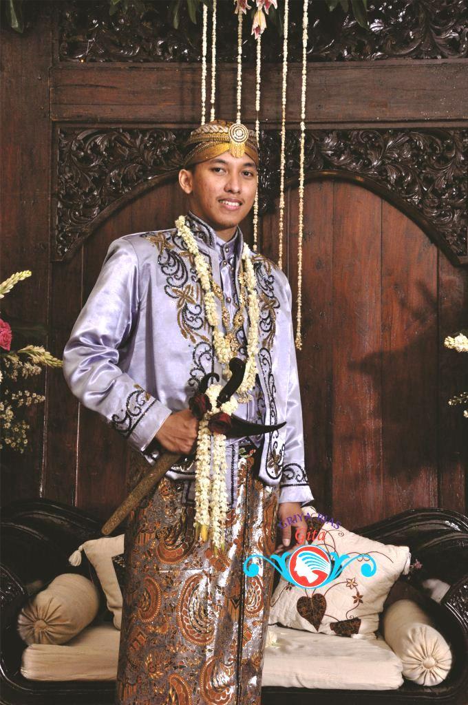 Pesona Pengantin Jawa Muslim