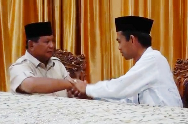 Pertemuan Prabowo-UAS Memantapkan Pilihan Masyarakat ke 02