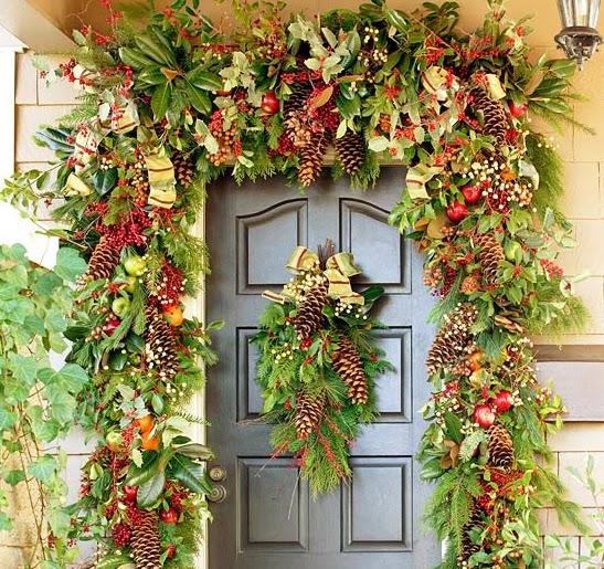 Adornos para puertas la decoracin de la entrada de la for Adorno navidad puerta entrada