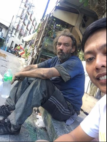 Borromeo posted a picture of himself together with the foreigner