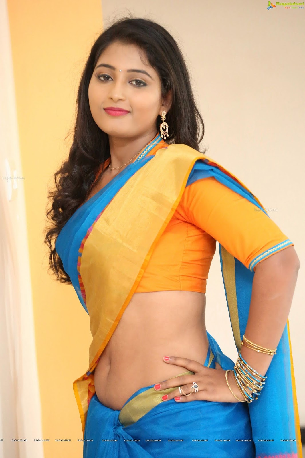 South Indian Actress Navel In Saree Spicy Pics Latest -7176