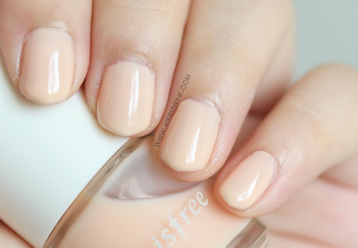 Innisfree nail polish 133 - Ballet steps (pale orange nail polish)