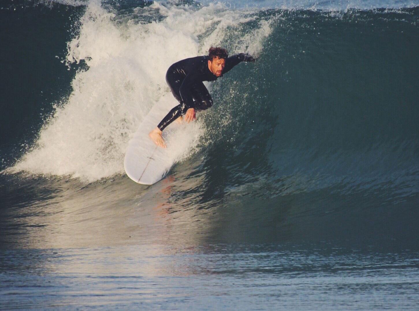 Shaper and surfer Vincent Lemanceau on the Vee Bottom - Surfin Estate