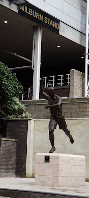 Unveiling the Alan Shearer Statue, Newcastle.