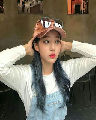 foto tumblr de mujer coreana sorprendida
