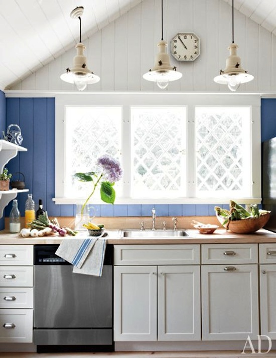 duong-artist-renovated-kitchen-in-blue