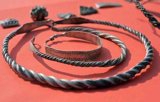 Un trésor remontant à la dynastie danoise de Jelling découvert dans le nord de l'Allemagne
