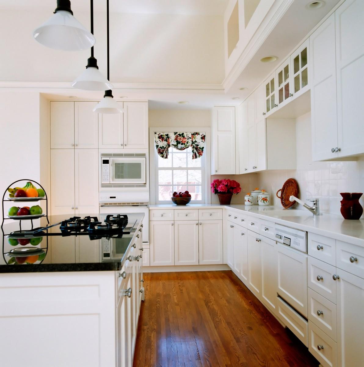 Galley Kitchen Ideas 2016: Tips Membuat Ruang Dapur Sempit Menjadi Lebih Luas, Nyaman